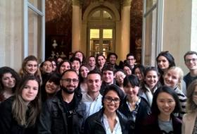 SPL International Students discovering the French Parliament